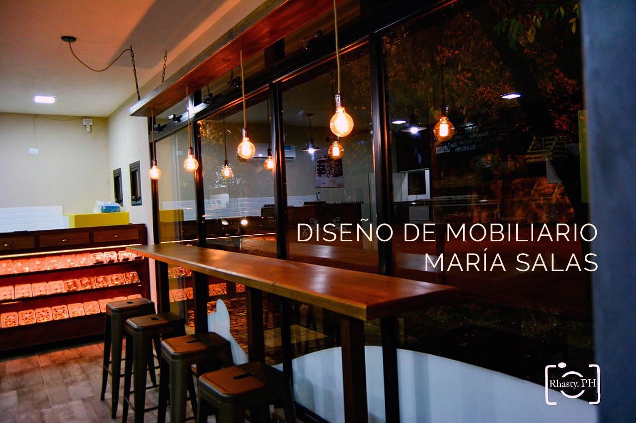 Diseño de mobiliario para la panadería Primavera por María Salas, Diseño e interiores