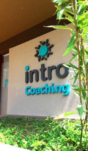 Letra corporea para Intro Coachig en su renovación de imagen