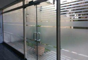 Rotulación para puertas by María Salas